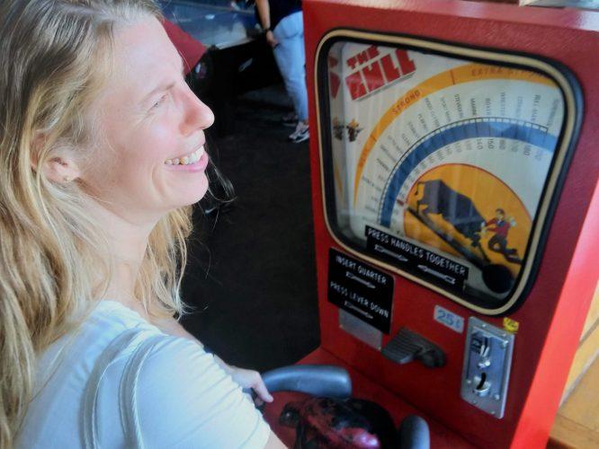 gamestop bull spel hoorn bij elkaar drukken